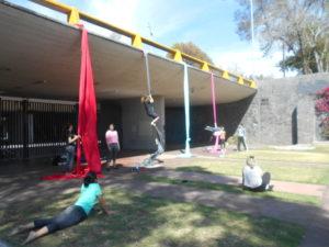 学生たちのサークル活動の練習風景