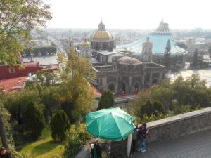テペヤックの丘から観た「グアダルーペ寺院」
