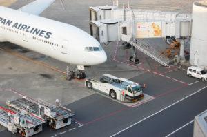 世界と日本を結ぶJALの飛行機