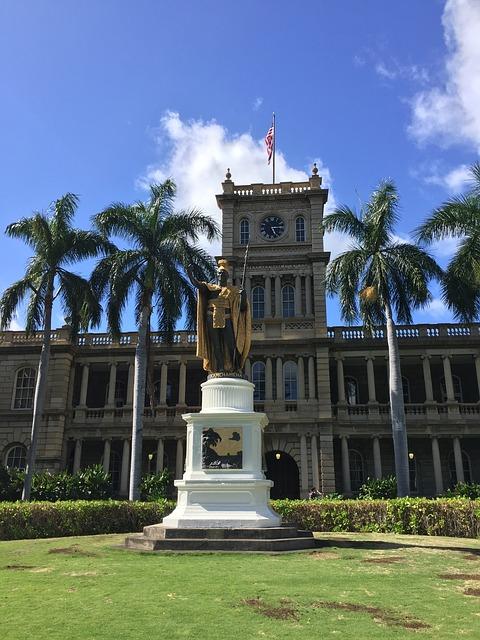 ハワイの「カメハメハ大王像」