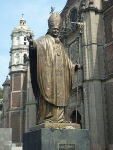 ヨハネ・パウロ2世像
