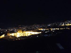 カサ・デル・インカの屋上テラスからの夜景