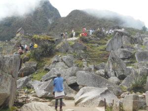 マチュピチュ遺跡と観光客