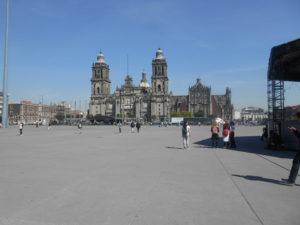 メキシコシティの「ソカロ広場」