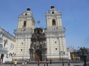 リマ旧市街の「サンフランシスコ教会」