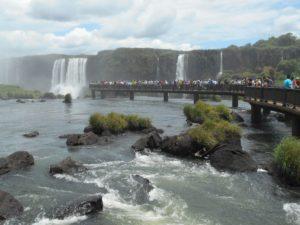 ブラジル側イグアス国立公園の展望橋