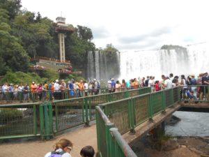 ブラジル側イグアス国立公園の「展望橋とエレベーター」