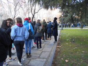 プラド美術館に並ぶ行列⑤