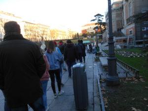 プラド美術館に並ぶ行列②