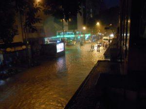 リオのカーニバル時期の豪雨