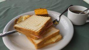 アマゾンツアーの朝食