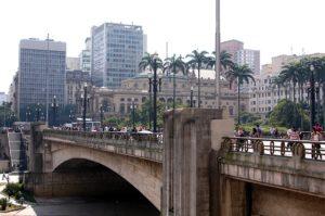 サンパウロのチャ橋