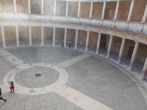 カルロス5世宮殿の内部