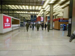 オルリー国際空港の到着ロビー
