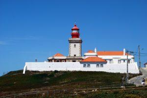 赤い屋根の灯台