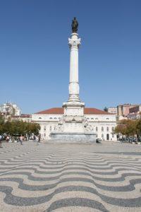 ロシオ広場のカルサーダスとペドロ四世の像