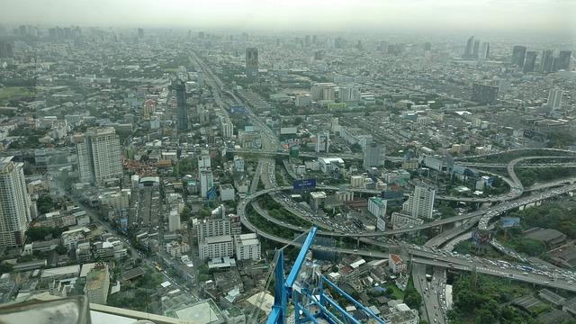 渋滞が激しいバンコクの道路