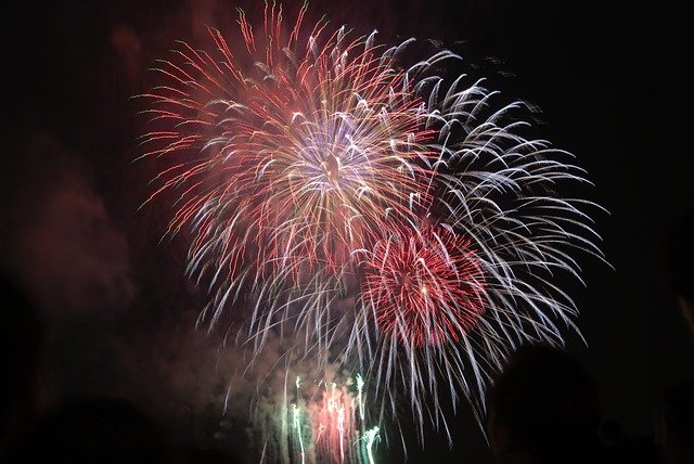 ベトナムの旧正月に15分間打ち上げられる花火