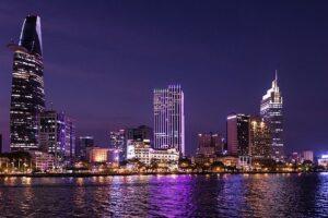 900万人の大都市ホーチミンの夜景