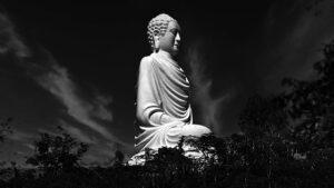 ロンソン寺の白い大仏