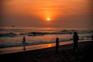 早朝のミケビーチ