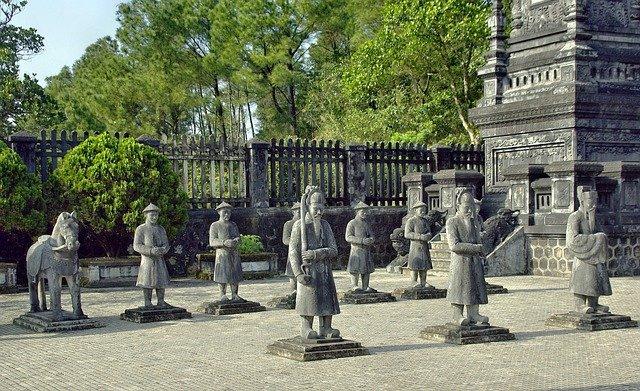 第12代「カイディン帝廟」