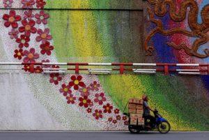 フンフン通りの壁画