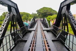 クウェー川の鉄橋