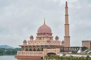 ピンクモスクと東南アジア最大のミナレット