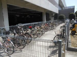 第2ターミナル前の立体駐車場にある駐輪場