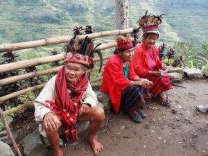 写真待ちの「イフガオ族」