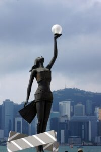 香港アカデミー賞のトロフィーの像