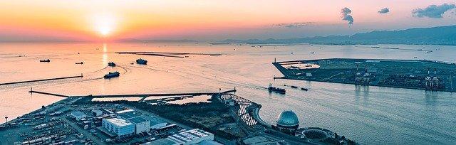 上海行のフェリーが出発する「大阪港」