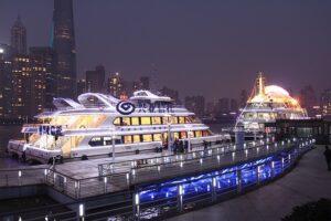上海の「クルーズ船」