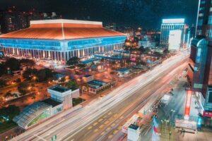 ライトアップされた「台北駅」