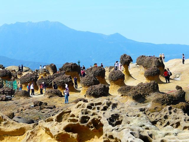 1000万年の月日と大自然が作り出した奇岩の神秘「野柳地質公園」