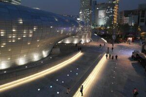 ソウルの新名所「東大門デザインプラザ」