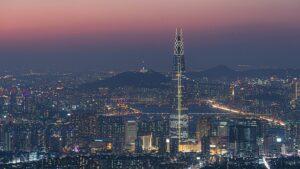 ソウル市内から臨む夜の「南山ソウルタワー」